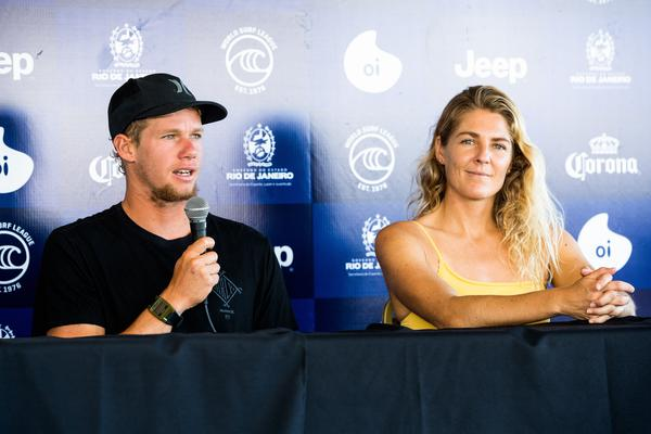 John John Florence e Stephanie Gilmore (Poullenot / WSL via Getty Images)